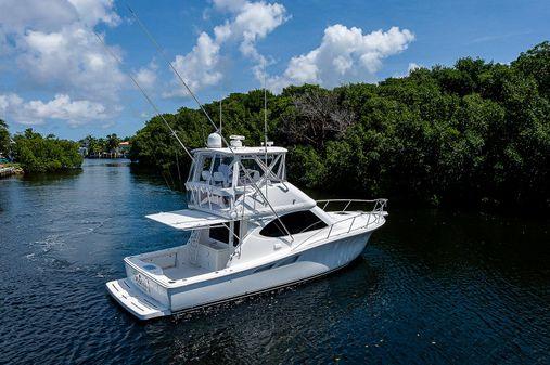 Tiara Yachts 39 Convertible image