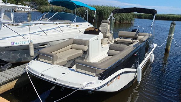 Bayliner Element XR7