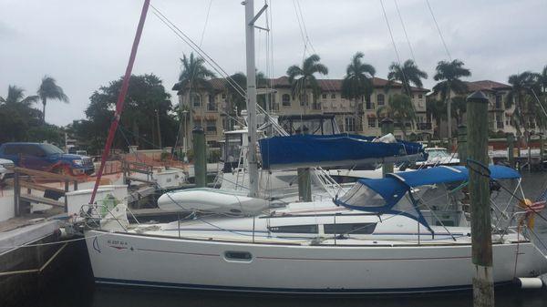 Jeanneau Sun Odyssey 36i Port View