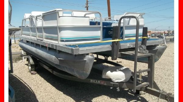 Godfrey Sweetwater 18' Pontoon