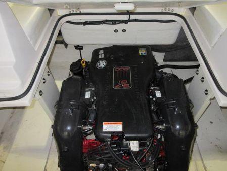 Regal 2500 Bowrider image