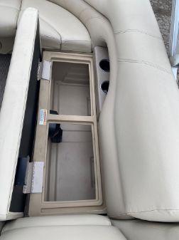 Sylvan Mirage 8522 Cruise image