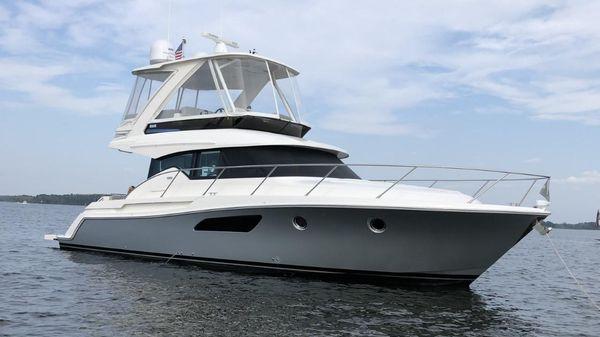 Tiara Yachts F44 Flybridge