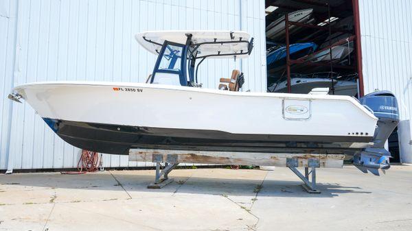 Sea Hunt Gamefish 30 with Coffin Box