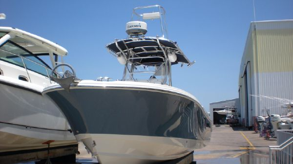 Edgewater 245CC Bow view