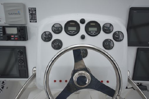 Bertram 31 Flybridge Cruiser image