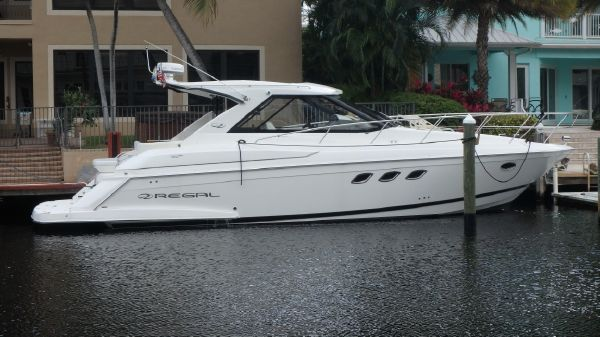 Regal 42 Sport Coupe Aft Glass 500s