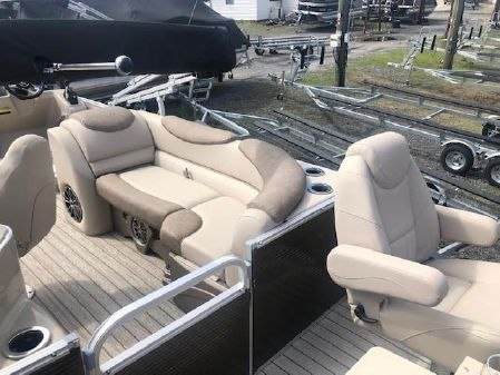 Avalon CAT 25 ADM ENTERTAINER SANDBAR image