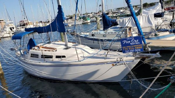 Catalina 27 sloop