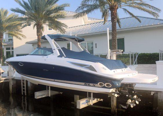 Sea Ray 300 SLX - main image