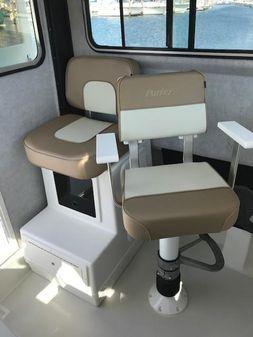 Parker 2520 XL Sport Cabin image