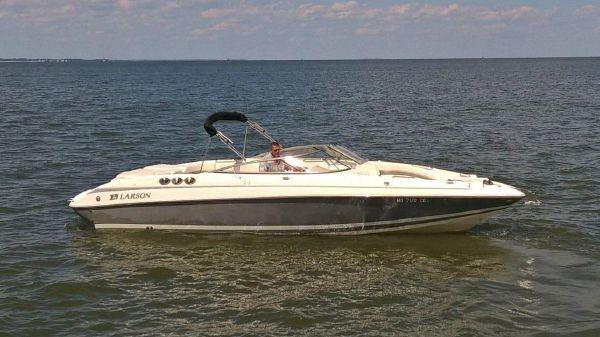 Larson LXi 288 Bowrider
