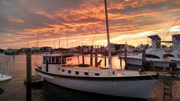 CHESAPEAKE Buy Boat Replica Starboard side view