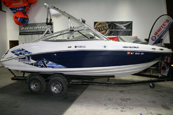 Yamaha Boats 212X - main image