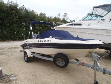 Sea Ray 185 Outboard Sport image