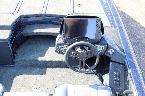 Skeeter ZXR21 image