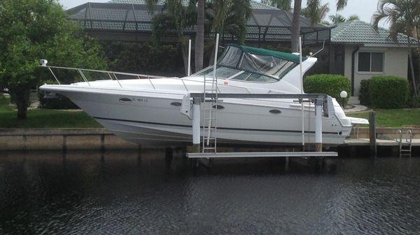 Cruisers Yachts 3372