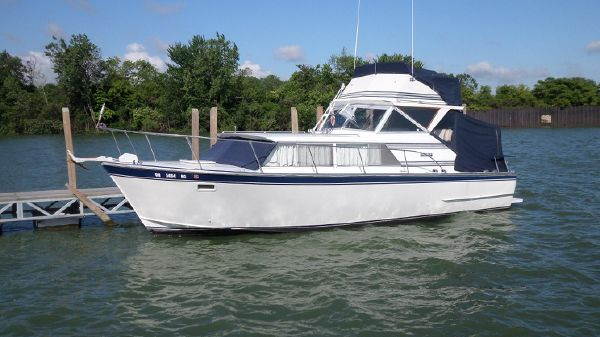 Marinette Express Flybridge