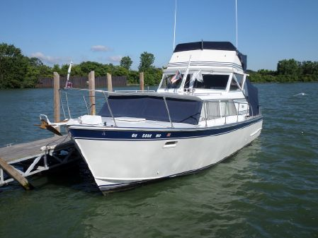 Marinette Express Flybridge image