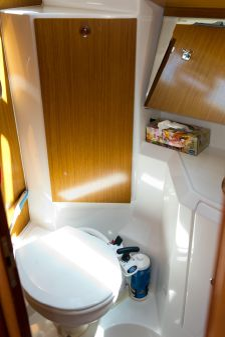 Jeanneau Sun Odyssey 36i Performance 3 Cabin image