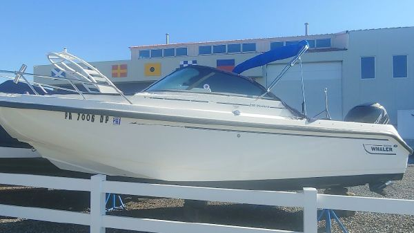 Boston Whaler 21 Ventura