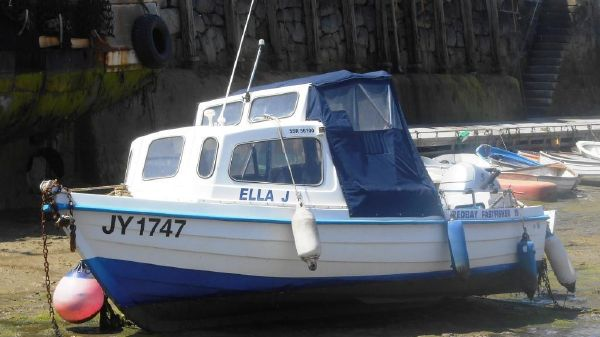 Redbay Boats Fast Fisher