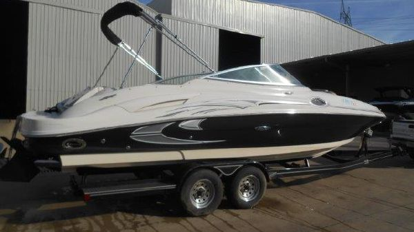 Sea Ray 270SD