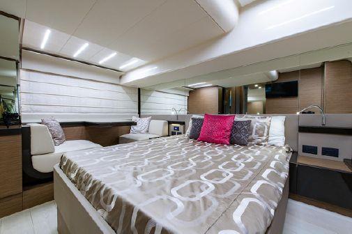 Ferretti Yachts 550 image