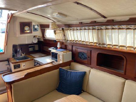 Newport 33 image