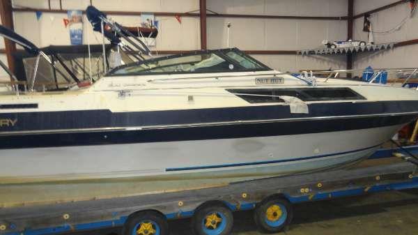 Century Boats 300 GRANDE