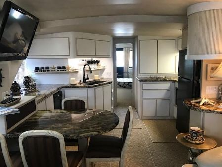 Bluewater Yachts 547 image