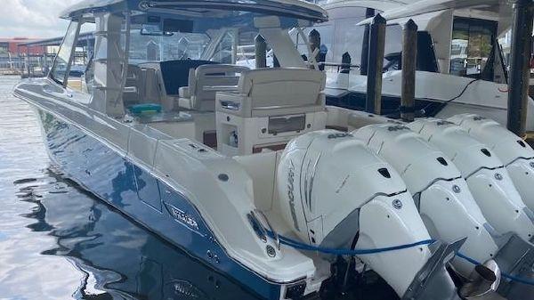 Boston Whaler 380 EX