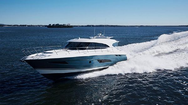 Riviera 5400 Sport Yacht-IN STOCK! Riviera 5400 Sport Yacht