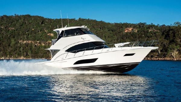 Riviera 57 Enclosed Flybridge Riviera 57 Enclosed Flybridge