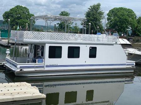 Catamaran Cruisers 42x14 with deck above image