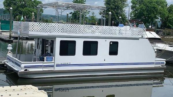 Catamaran Cruisers 42x14 with deck above