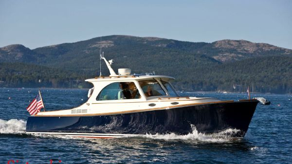 Hinckley Picnic Boat MK III
