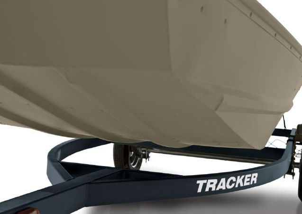 Tracker Topper 1542 Riveted Jon image