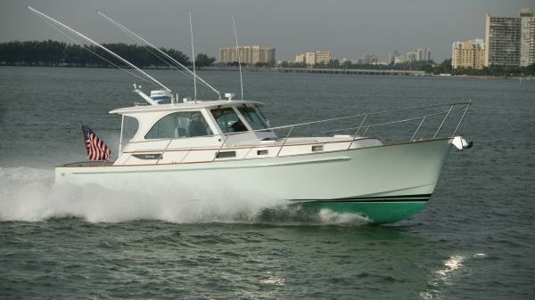 Freedom Yachts Legacy 40 Sport Express