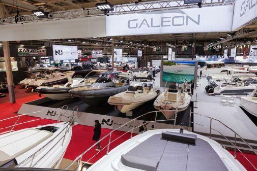 Galeon 400 Fly image