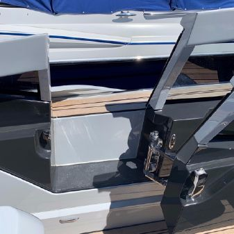 Fairline F Line 33 image