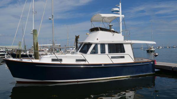 Legacy Boat 34 Flybridge Sedan Cruiser Alongside