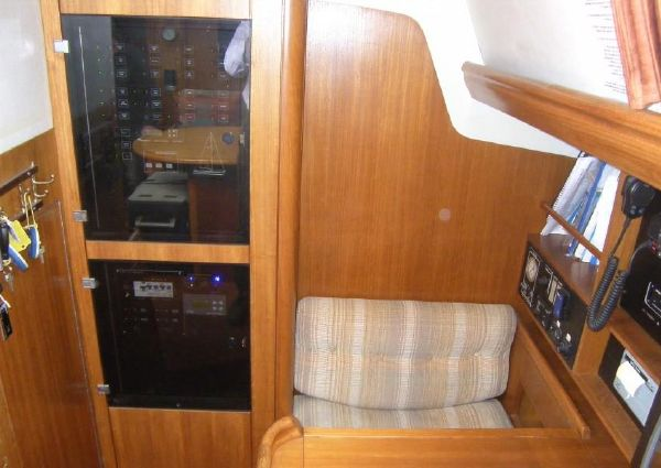 Oyster 485 Deck Saloon image
