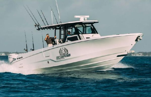 2021 Wellcraft 402 Fisherman