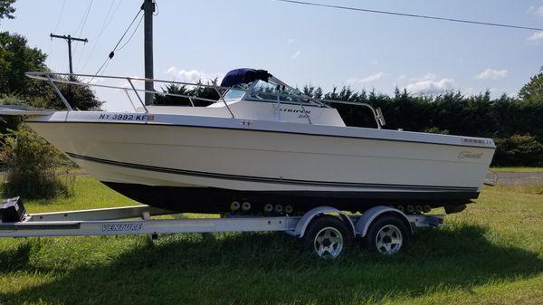 Seaswirl Striper 2150 WA