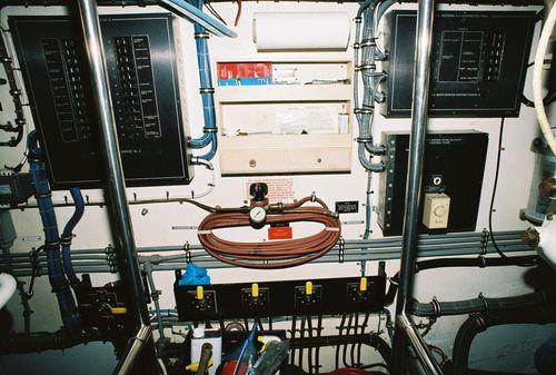Hatteras 65 image