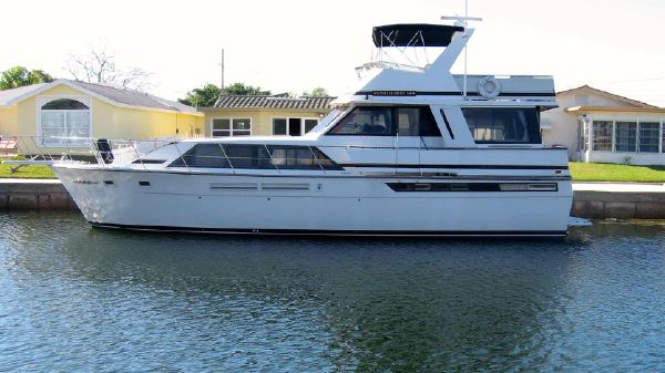 Chris-Craft 500 Constellation Port Profile