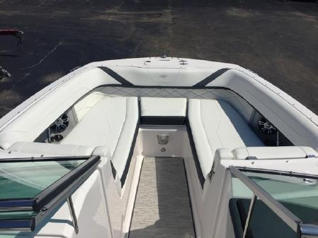 Regal 26 FasDeck image