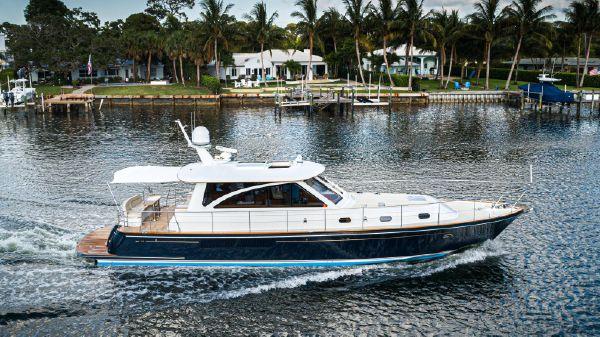 Hunt Yachts 52 Express