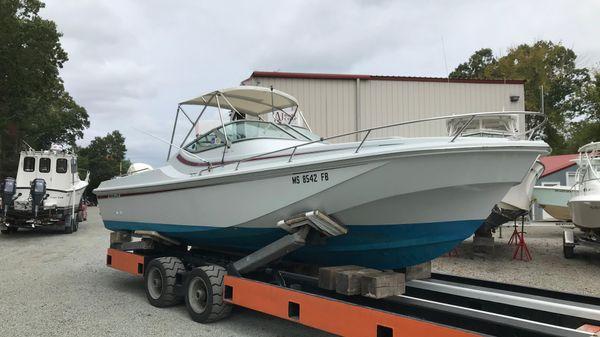 Boston Whaler 2500
